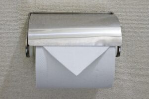 トイレ掃除の方法は?理想的な頻度や掃除する際の注意点を解説