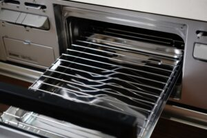 キッチン掃除の基本とは?汚れ別・場所別の汚れの落とし方を徹底解説!